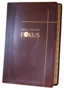 Bibelen – Guds Ord / Fokus brunt kalveskinn med register